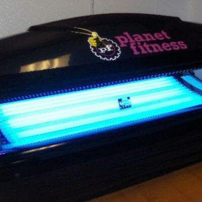 Planet Fitness Tanning 2018: Unbiased Reviews (Beds, Lotion, Cost, Goggles?)