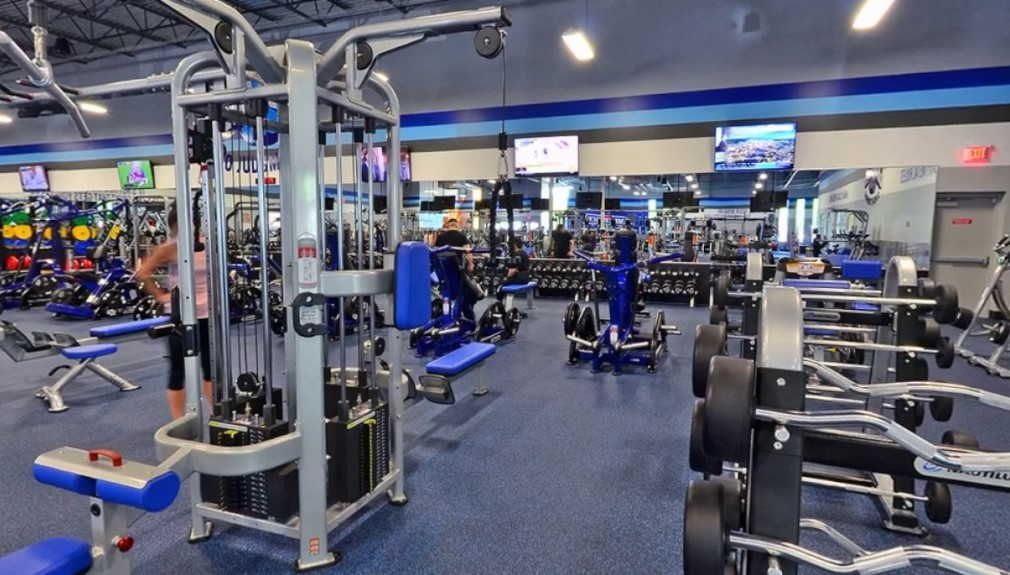 Crunch Fitness: No Judgments