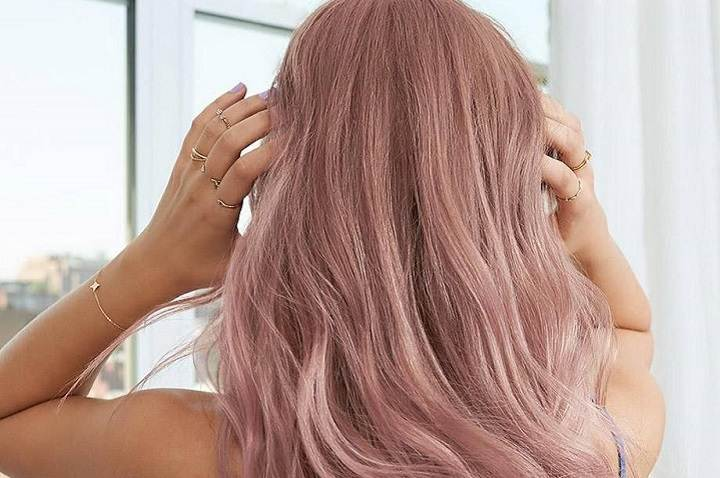 What to Look for When Shopping for an Oily Hair Shampoo