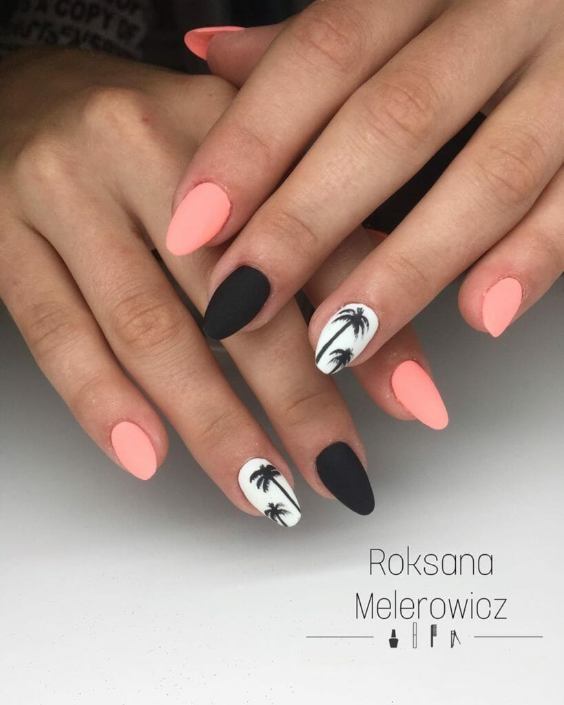 alternating colors of pink, black, and white