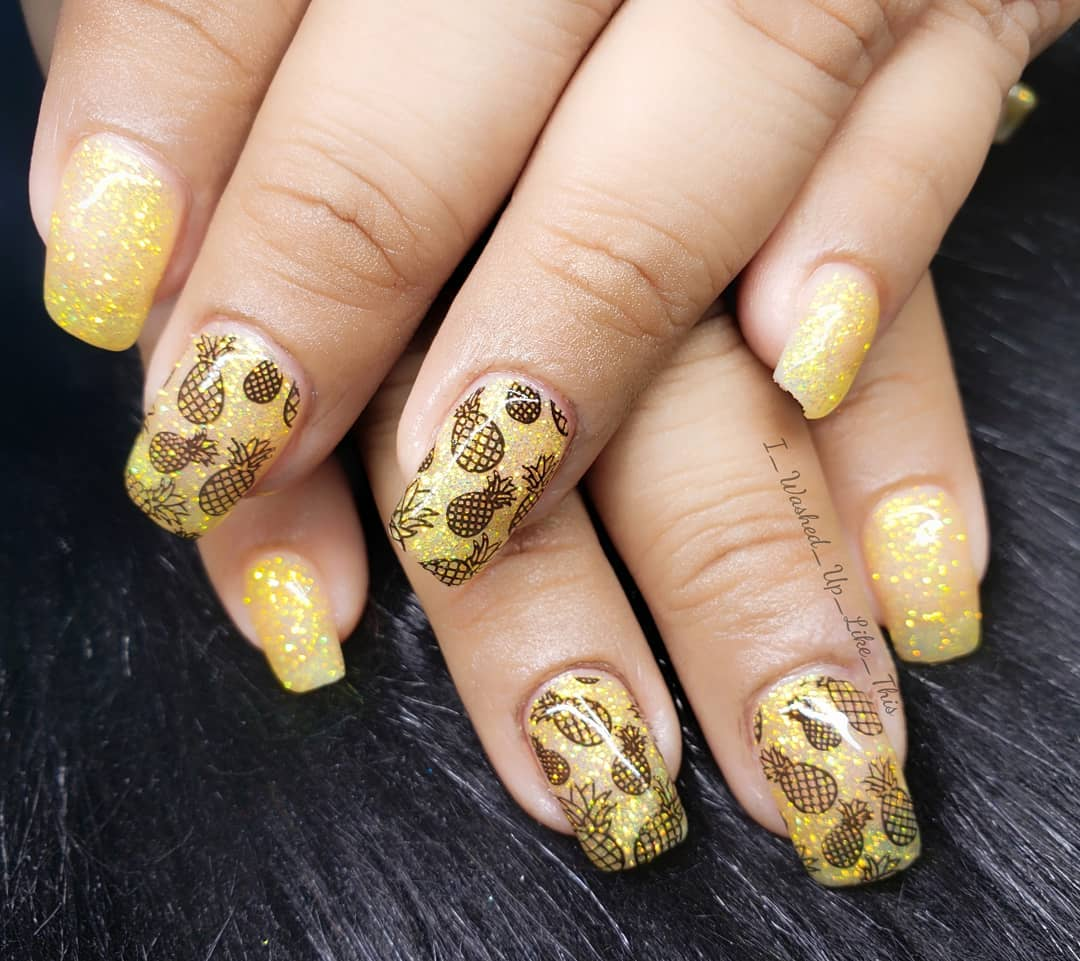 Light yellow color and sparkling glitter coating Design